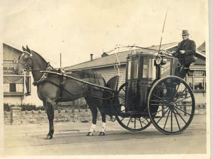 Mr Dunlop, Driving his Hansom Cab (date unknown) 91-099.jpg