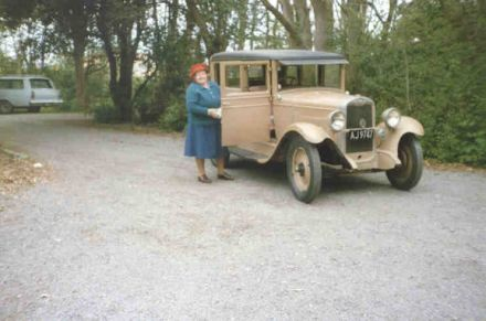 The late Miss Ethel Williams and the 1928 Chev car she donated to the Museum (91-197.jpg)