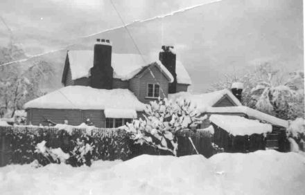 "The Old Schoolmaster's House during ""The Big Snow"" of 1945 (97-055.jpg)"